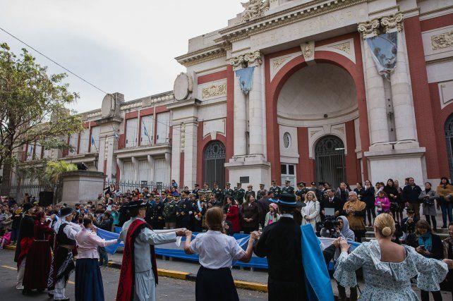 El Intendente Varisco presidió los actos de la Revolución de Mayo
