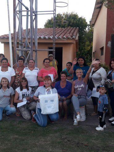 IMPULSO. En Pueblo Cazés un grupo de vecinas inició una huerta comunitaria y hoy proyectan expandirse.