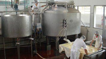 la produccion de la industria pyme cayo 10,3% en abril