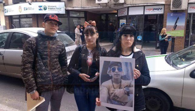 Familiares de Brian Farías, pidieron Justicia frente a Tribunales