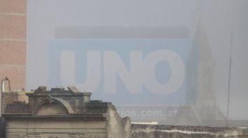 densa niebla en parana y la region: circular con precaucion
