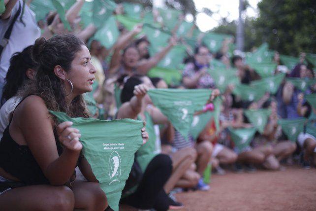 Con un pañuelazo nacional, se presentará el nuevo proyecto para legalizar el aborto