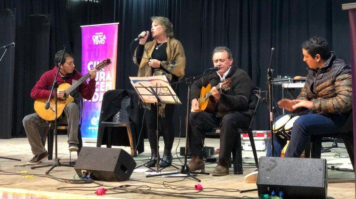 Una nueva propuesta peñera de la mano de grandes músicos de todo el Litoral