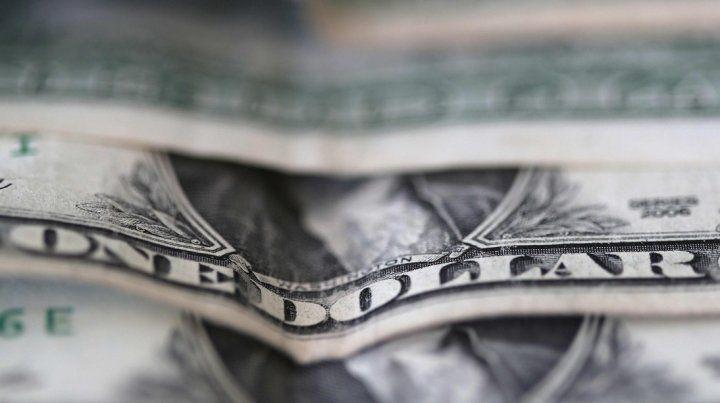 El dólar trepó 45 centavos y superó los $ 46