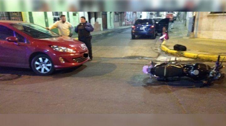 Chocaron un auto y una moto en Paraná