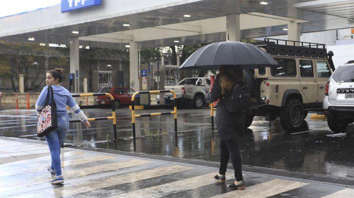 Junio comenzó con lluvias y temperatura en descenso