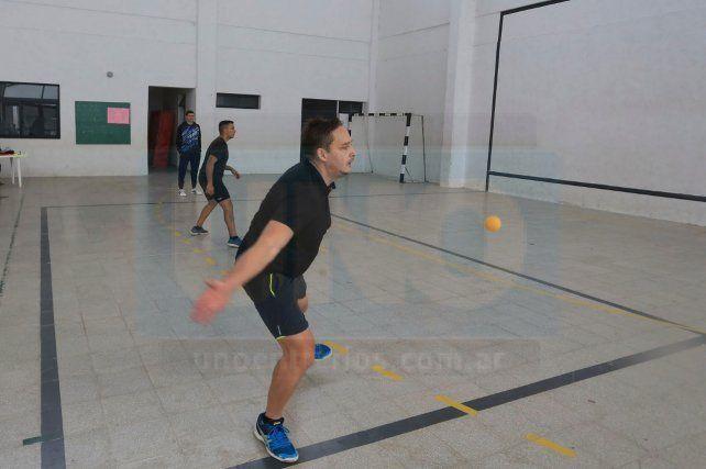 Frontball: En el Centenario fue con la pelota blanda