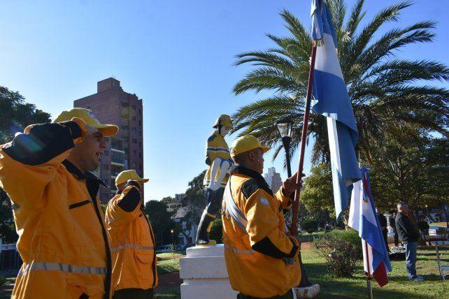 Bomberos Voluntarios de Paraná en un día muy especial.
