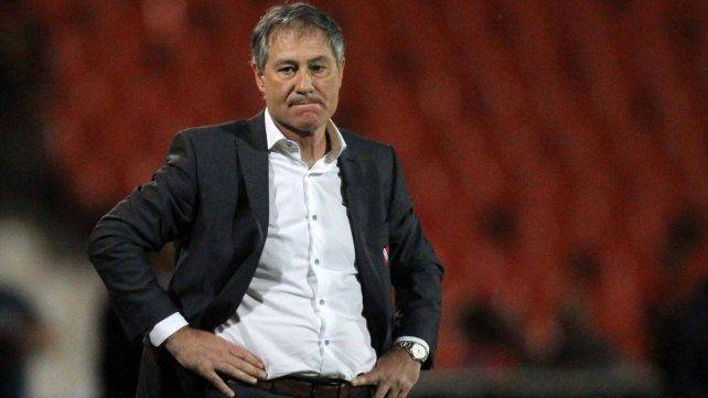 Despidieron a Holan en Independiente
