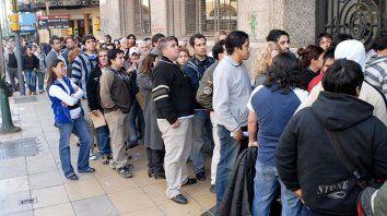 en el primer trimestre se perdieron mas de 85 mil empleos y las empresas preven mas despidos