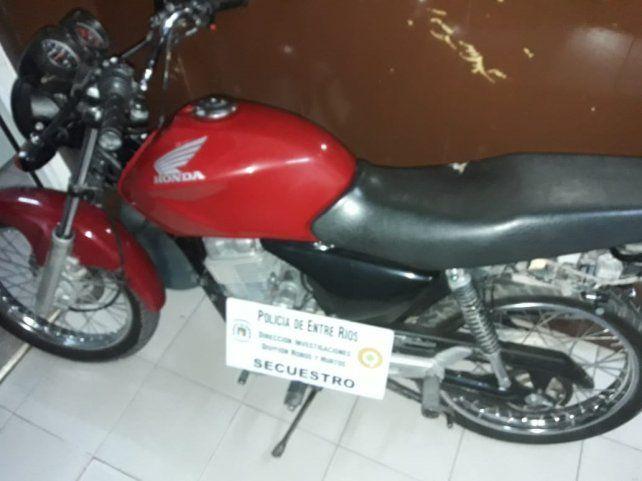 Recuperaron tres motos robadas en distintos barrios en pocas horas