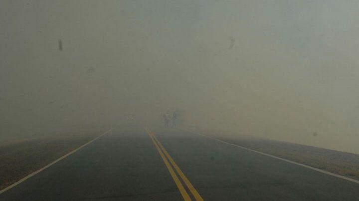 Continúa cerrado el tránsito en el puente Victoria - Rosario por la densa niebla