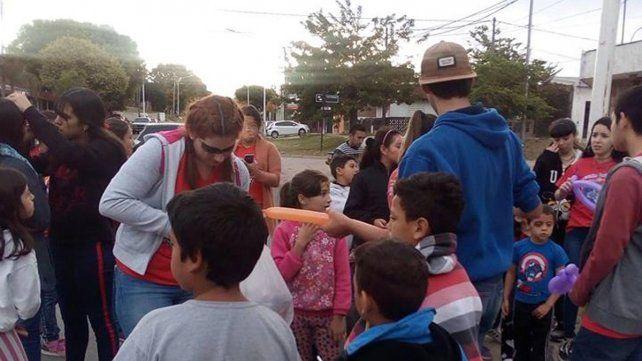 El merendero Niños con Futuro recolecta abrigos y frazadas