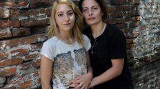 arranca el juicio oral a una joven que beso a su esposa en la estacion constitucion