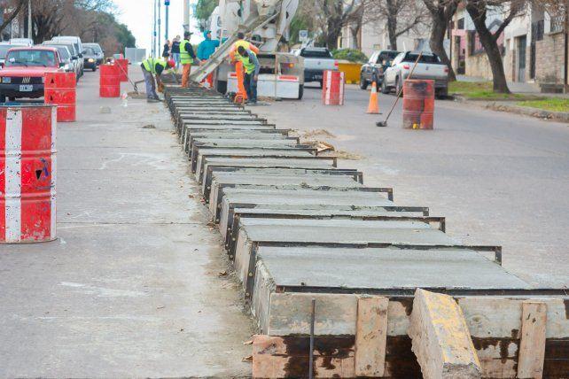Reconstruyen el cantero central de avenida Ramírez