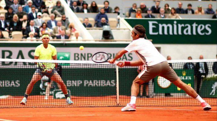 Nadal pasó a Federer sin problemas y es finalista