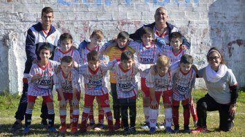 Familia Decana. Los De Zan, a cargo de la categoría 2009 A de Atlético Paraná.
