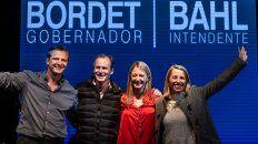 Festejos. Bahl y Bordet junto a sus compañeras de fórmula Andrea Zoff y Laura Stratta. Ganaron ampliamente en la provincia y en Paraná.