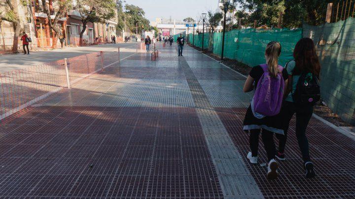 Se restablecen los recorridos de colectivos por calle La Paz