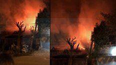 videos: se incendio una tapiceria en parana y las perdidas son cuantiosas