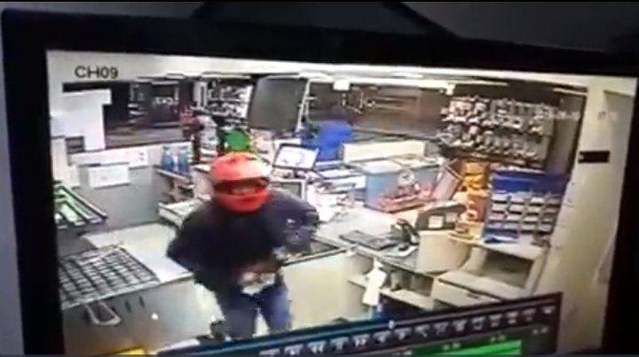 Detienen a cuatro hombres por el violento robo a la estación de servicios de Acceso Norte