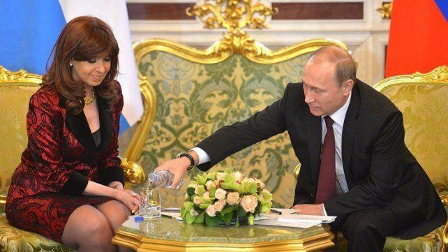 Consultarán a Putin si le regaló la carta de San Martín a Cristina