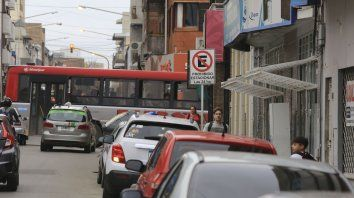 Más capacidad. Proponen estacionar a 60° en calles Gualeguaychú y Alameda de la Federación.