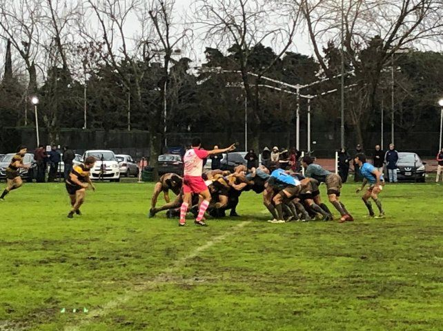 Derrota Celeste. Gimnasia y Esgrima de Rosario se impuso al Paraná Rowing Club por un ajustado 34 a 26. El Celeste jugó bien.