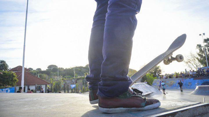 Las zapatillas reflejan un intenso chante. Foto. Archivo.