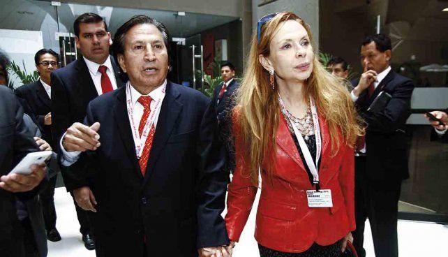 Perú: Piden 16 años de cárcel para expresidente Toledo y su esposa