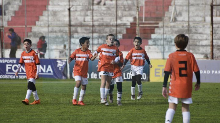 Así gritaron el gol los chicos de Apren en cancha de Atlético Paraná FotoUNOJuan Manuel Hernández