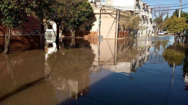 Por la crecida pidieron la paralización y demolición de un barrio fluvial