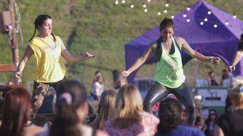 Propuestas. Ayer organizaron un evento con zumba y bandas en vivo en la Costanera, promoviendo hábitos saludables.
