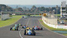 Solo nueve. La Fórmula Entrerriana tuvo un parque automotor con pocas máquinas en pista.