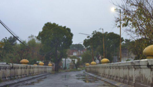 El famoso puente blanco de Paraná.