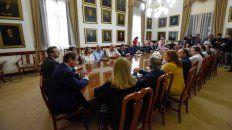 La reunión se realizó en el Salón de los Gobernadores.