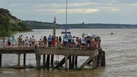 Se desprendió parte del muelle pescador de Hernandarias