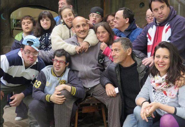 Gustavo Garzón vendrá a presentar su película Down para arriba