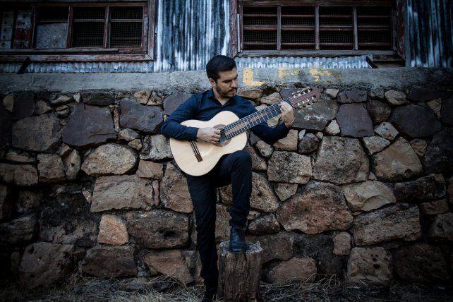 Augusto Ayala fue elegido junto a 14 artistas del país