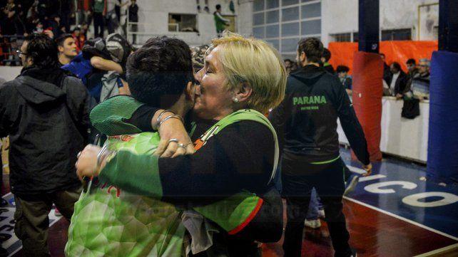 El Verde festejó con ganas el trofeo Dos Orillas