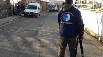 Personal de Tóxico junto a efectivos de los grupos especiales de la Policía actuaron en el operativo.