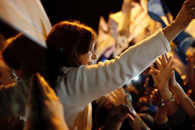 Cristina saluda en su llegada a Chaco.