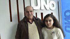 José Manuel junto a su nietaLuisana Anahí Mendoza.