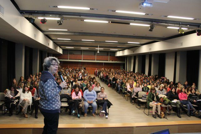 Más de 450 docentes de nivel inicial de toda la provincia se capacitaron en Paraná