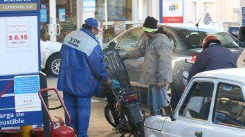 macri dejaria sin efecto el congelamiento de combustibles