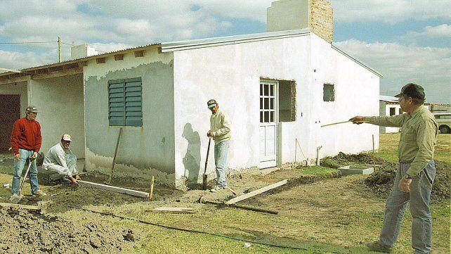 Lanzaron programa para refaccionar y ampliar viviendas
