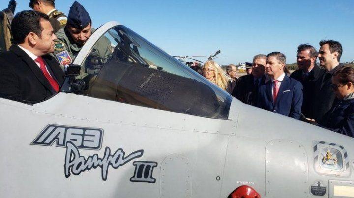 Por primera vez venden aviones de combate