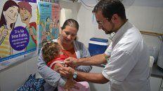 la nacion niega epidemia de gripe a y alerta por relajacion de vacunacion
