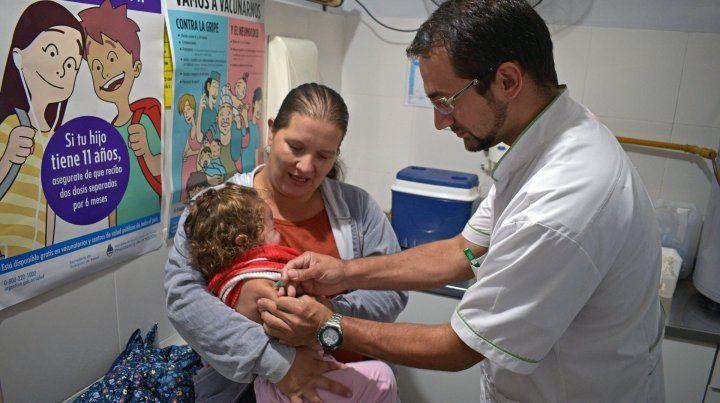 La Nación niega epidemia de gripe A y alerta por relajación de vacunación