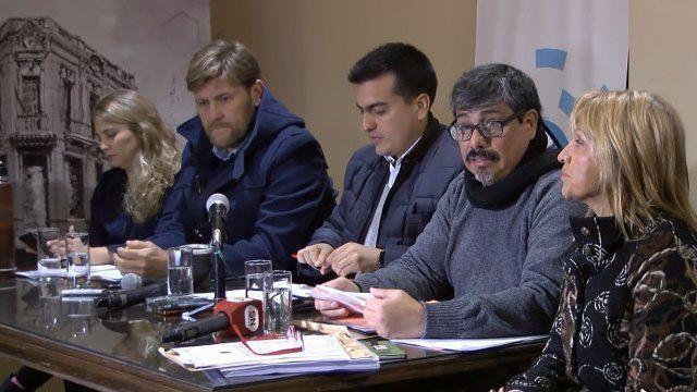 Paro de colectivos: El municipio y la empresa toman de rehenes a los usuarios